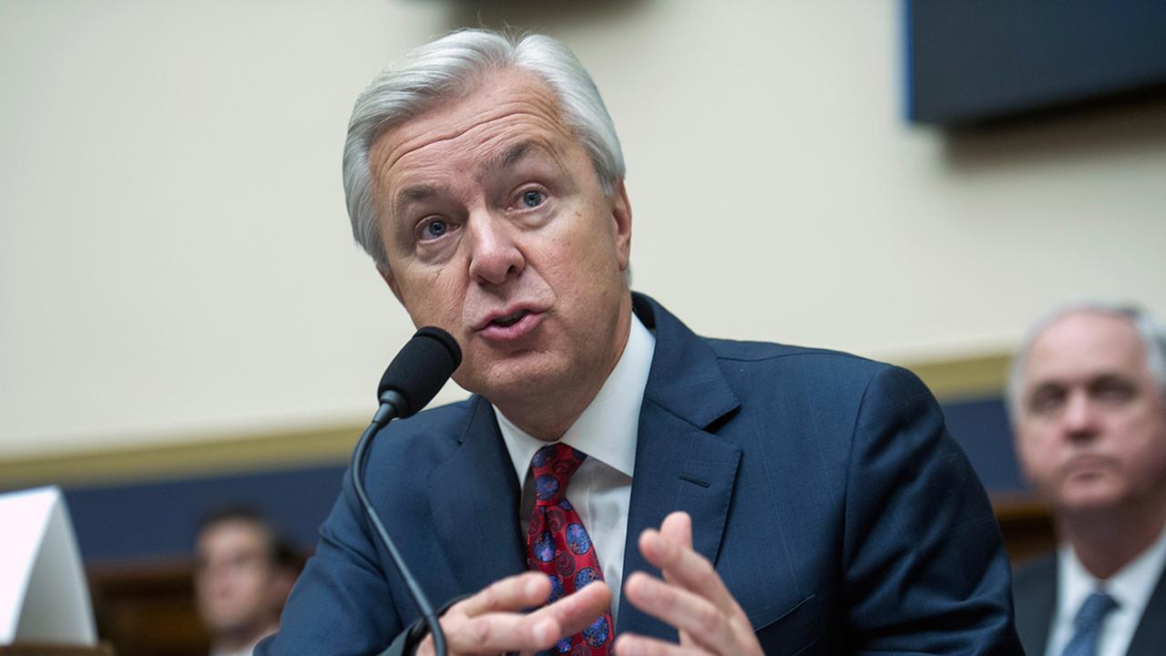 Wells Fargo CEO John Stumpf to resign immediately