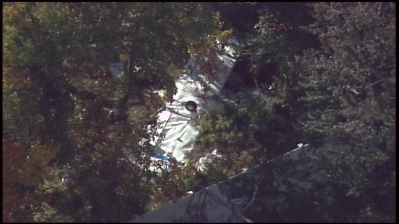 October 19, 2016: Chopper 6 HD was over the 500 block of East Linden Avenue in Lindenwold, N.J. after a small plane went down behind a home.