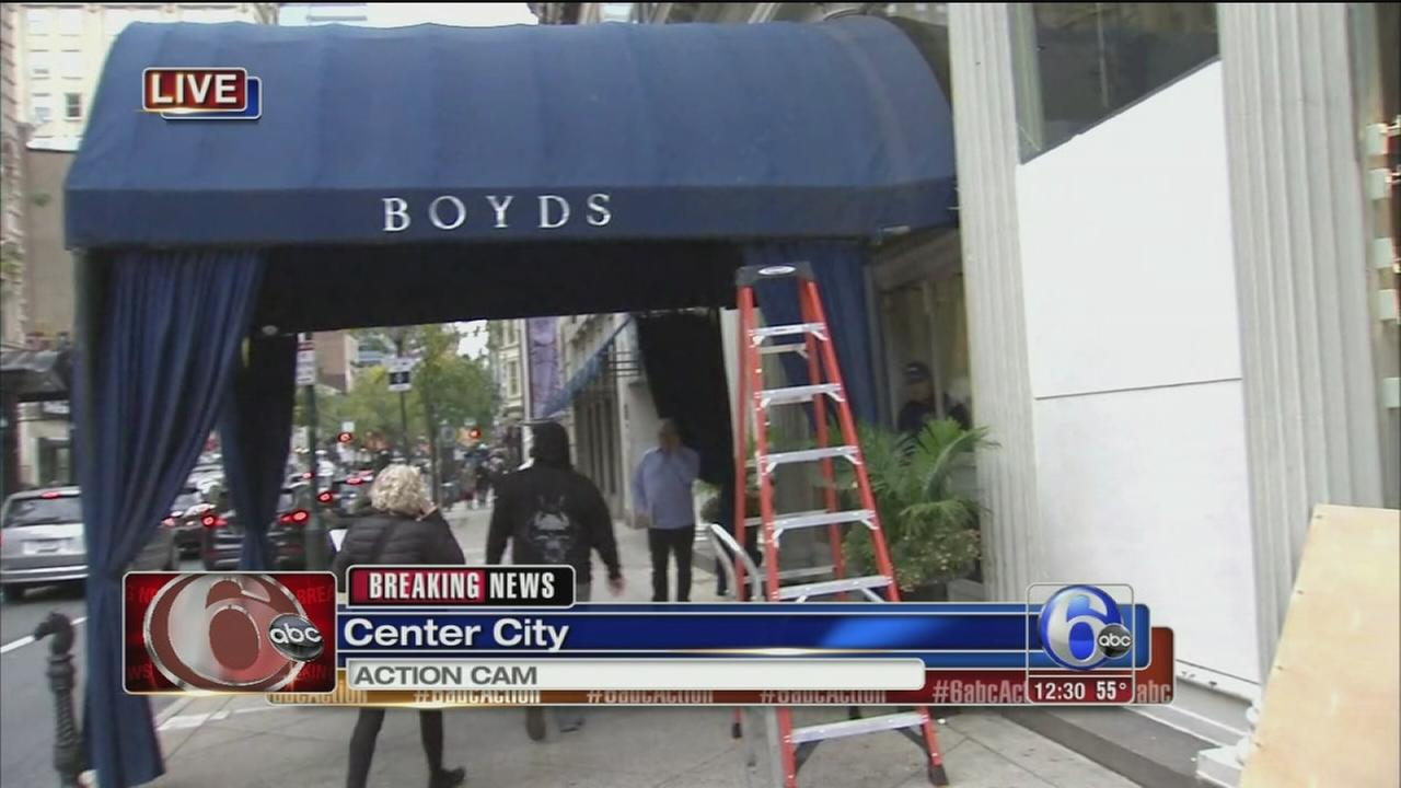 VIDEO: Windows smashed at Boyds store in Center City