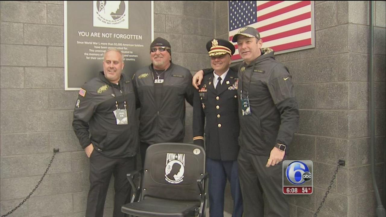 VIDEO: Eagles honor vets