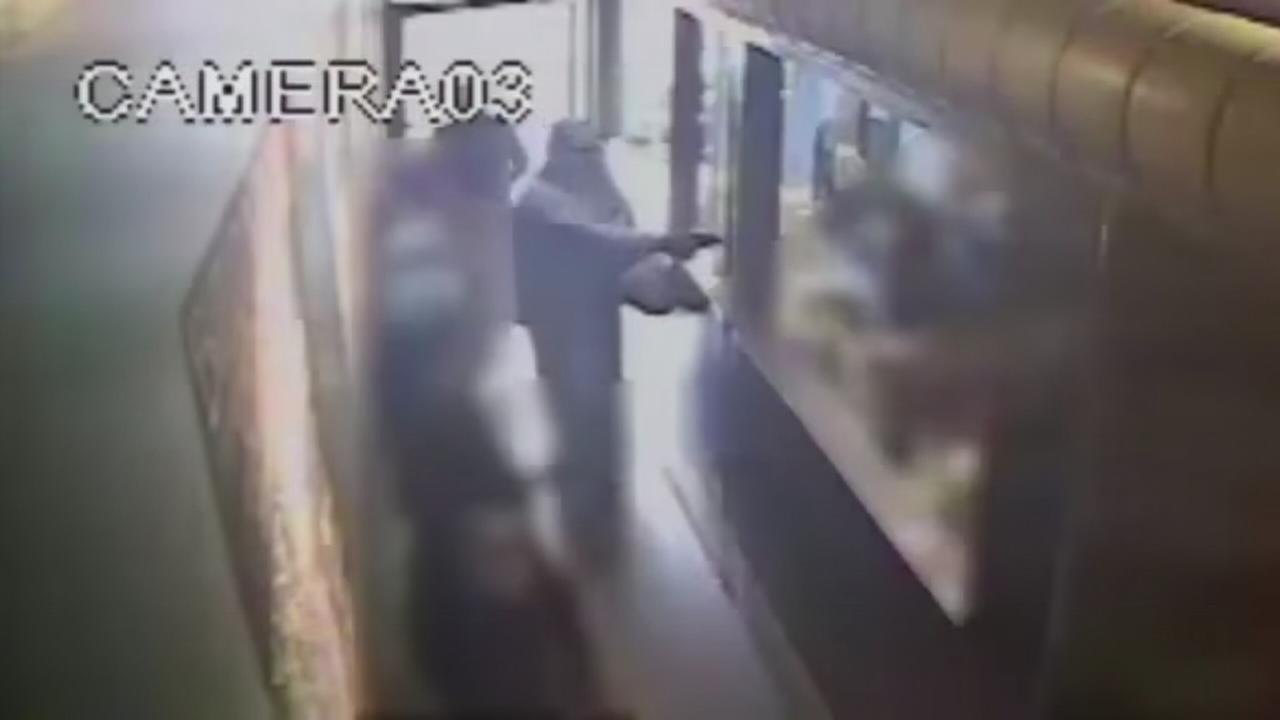 VIDEO: Shooting at Burger Lane restaurant