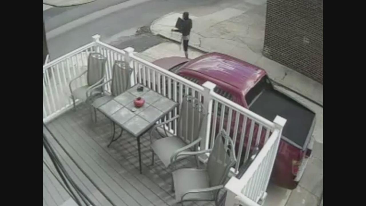 VIDEO: Suspect sought for house burglary in South Philadelphia