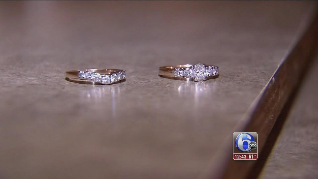 VIDEO: Sanitation crew helps woman find wedding rings in trash