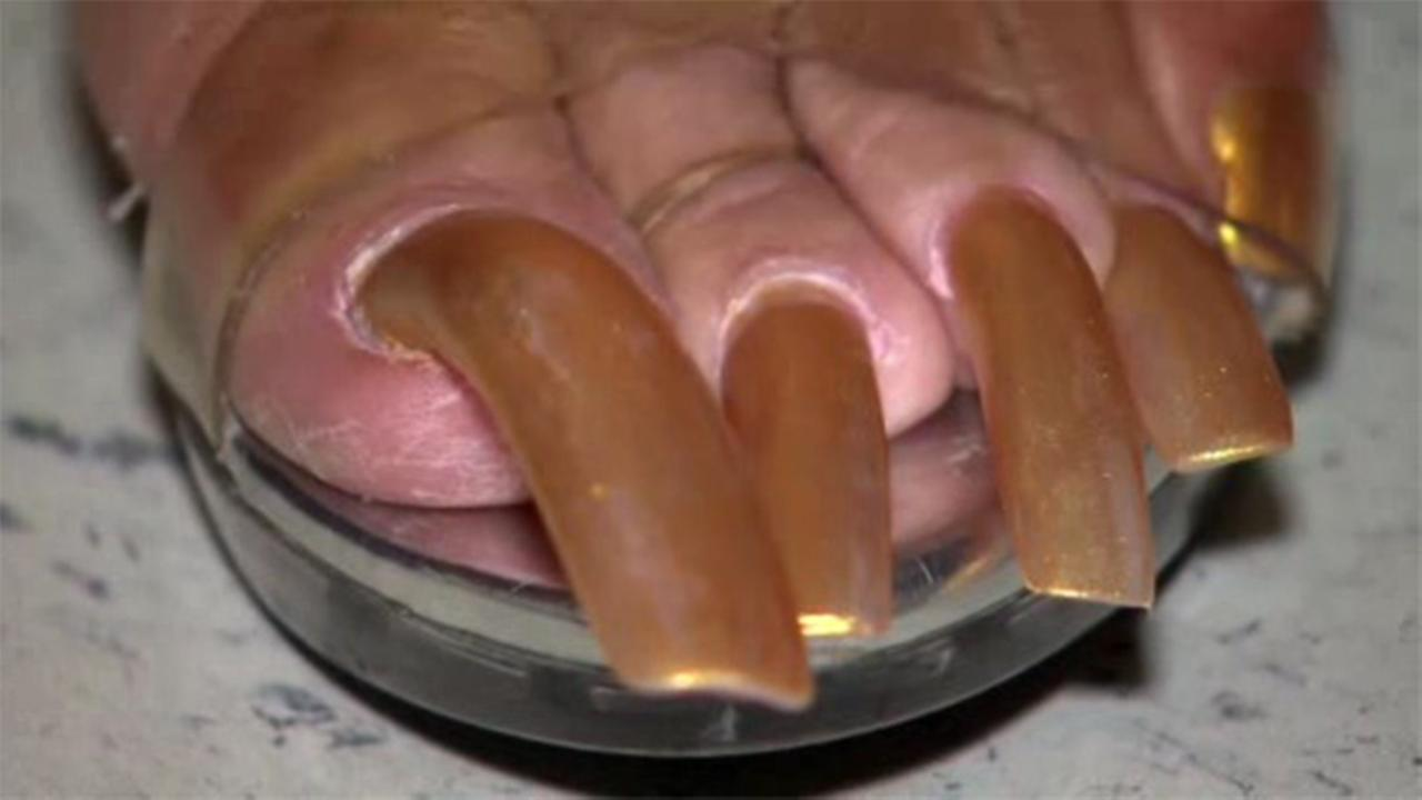 Texas woman\'s long nails nearing world record | 6abc.com