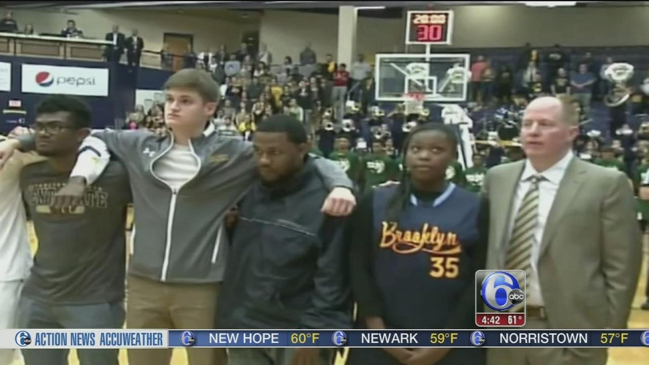 VIDEO: Students show unity during national anthem