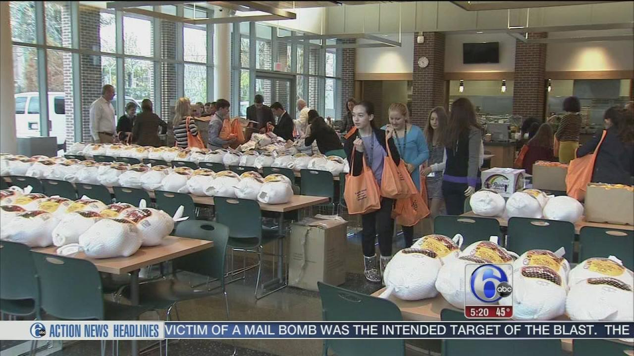 Preparing Thanksgiving meals for the needy