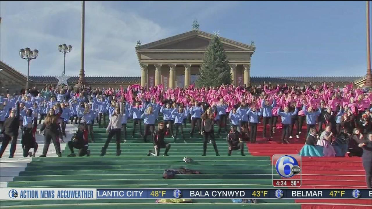 VIDEO: Final preparations for the Parade
