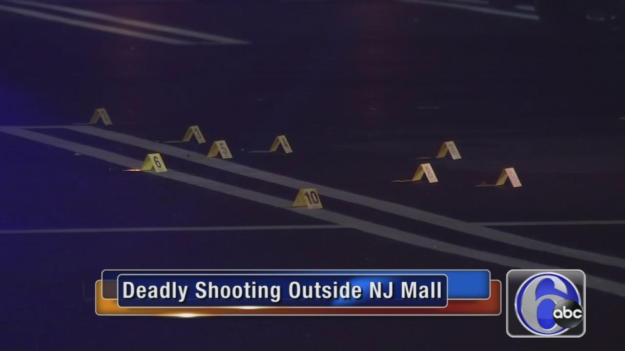VIDEO: Deadly shooting outside mall