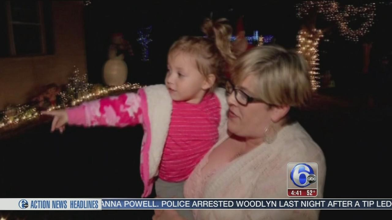 VIDEO: Texas neighbors create Christmas surprise for toddler after moms death