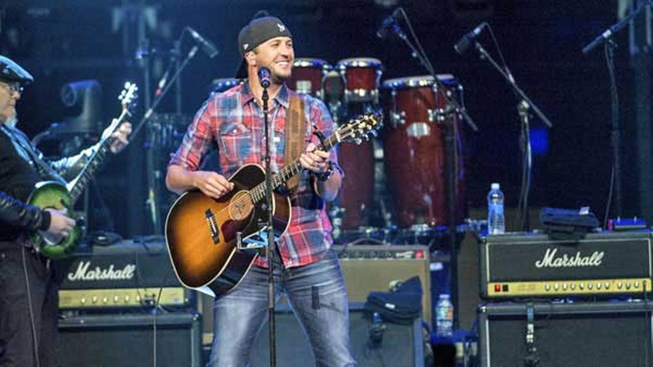Luke Bryan performs at Charlie Daniels 80th Birthday Volunteer Jam at Bridgestone Arena on Wednesday, Nov, 30, 2016, in Nashville, Tenn.