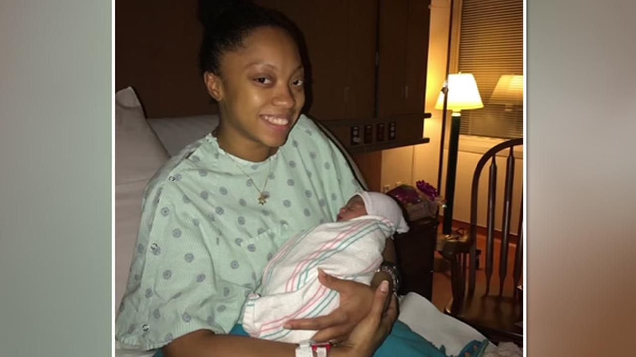 911 dispatcher walks expectant mother through labor
