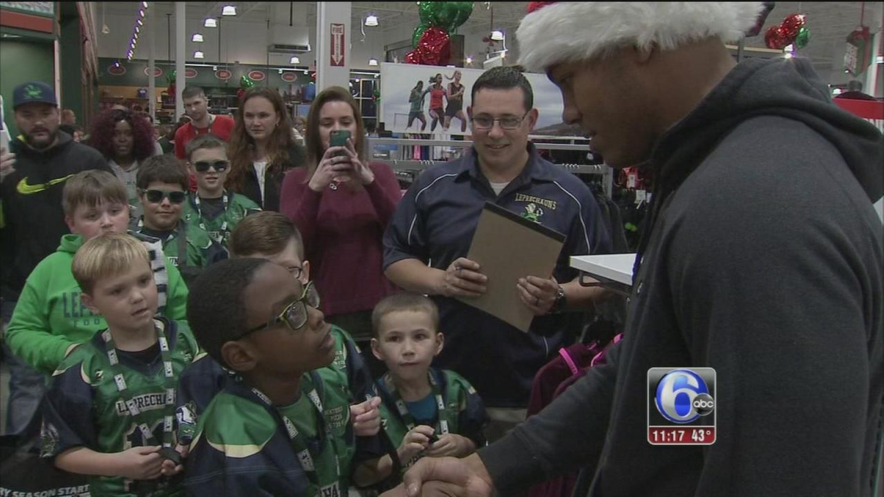 VIDEO: Eagles shopping spree