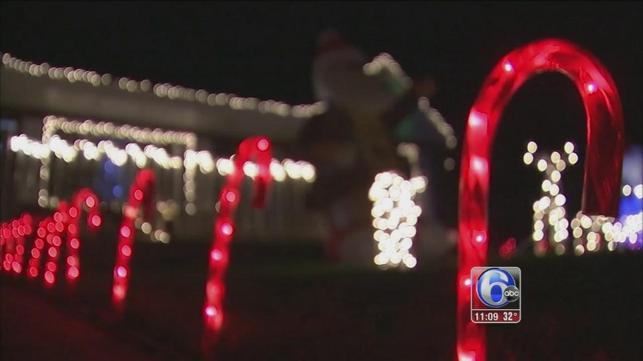 VIDEO: Christmas decor vandals