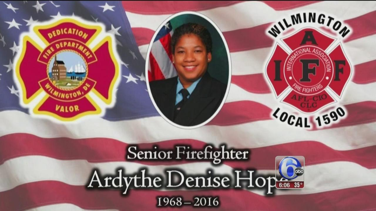 VIDEO: Mourners honor Wilmington ff