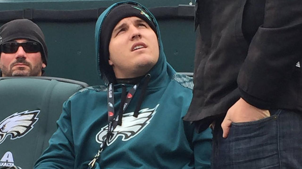 Year before wedding, Mike Trout loving the cold at Eagles ...