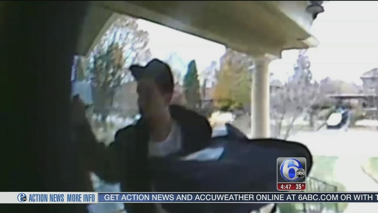 VIDEO: Thief dresses as pizza delivery man