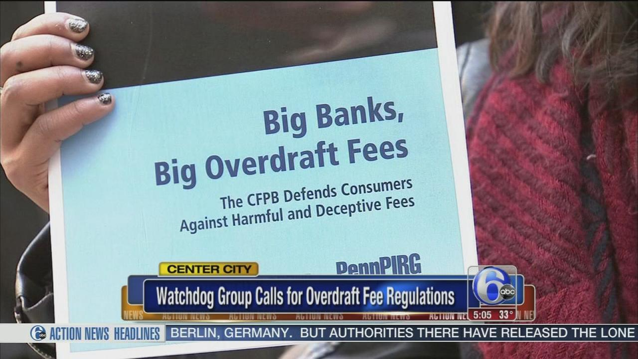 Watchdog group calls for overdraft fee regulations