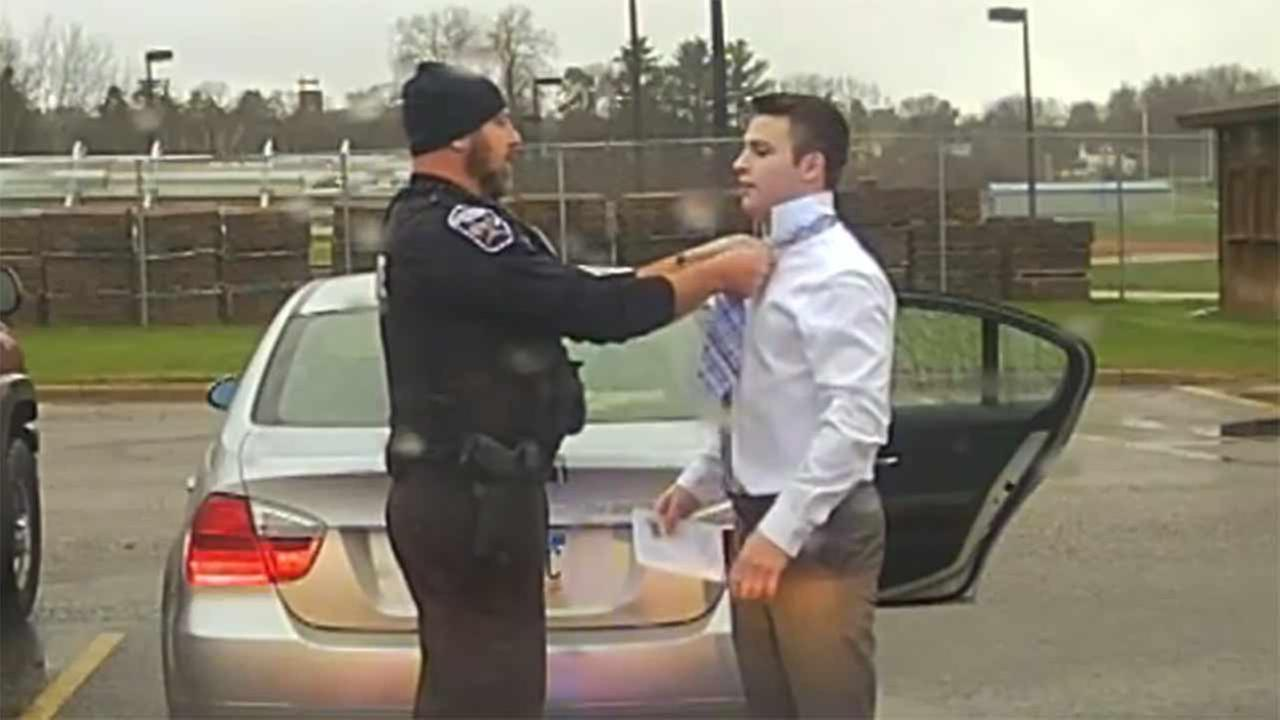 College student pulled over by officer gets unexpected lesson