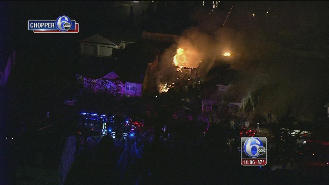 Firefighters battle 2-alarm fire in Riverside