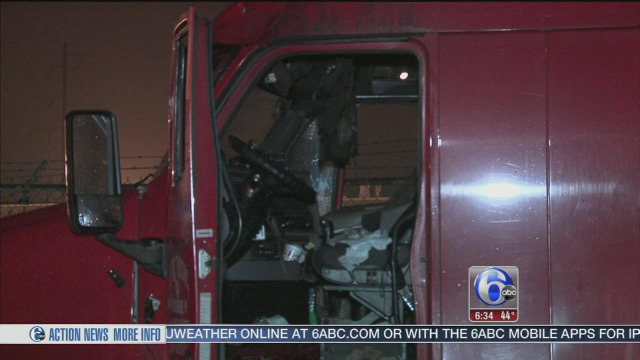 Tractor trailers burn in Frankford