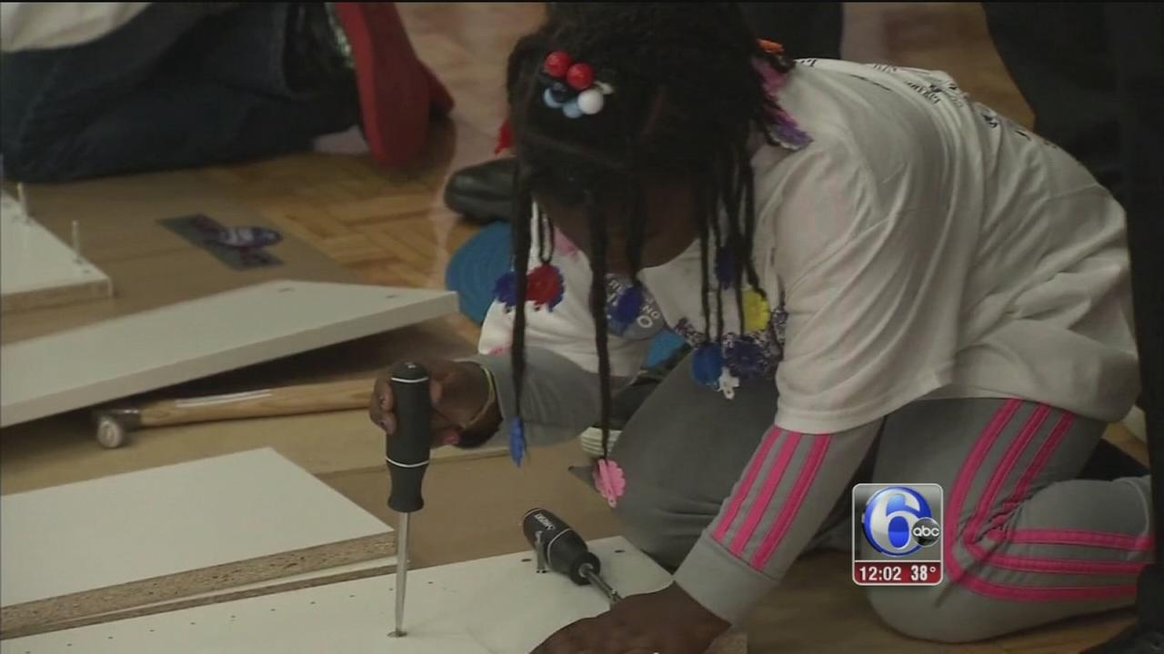 Volunteers gather for Phillys MLK day of service