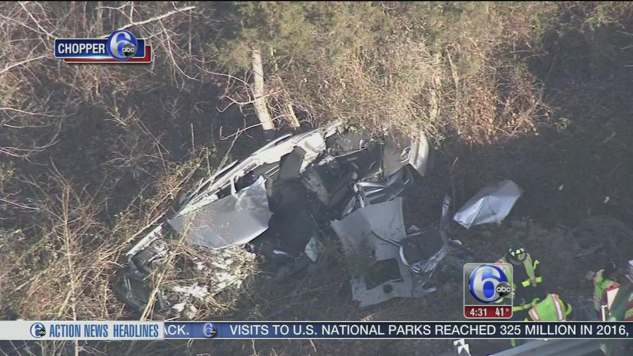 Driver killed after car crashes into woods off I-295