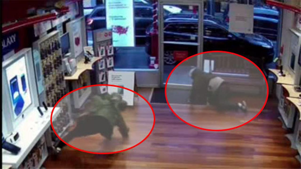Slip-and-fall bandits sought in Verizon store robbery