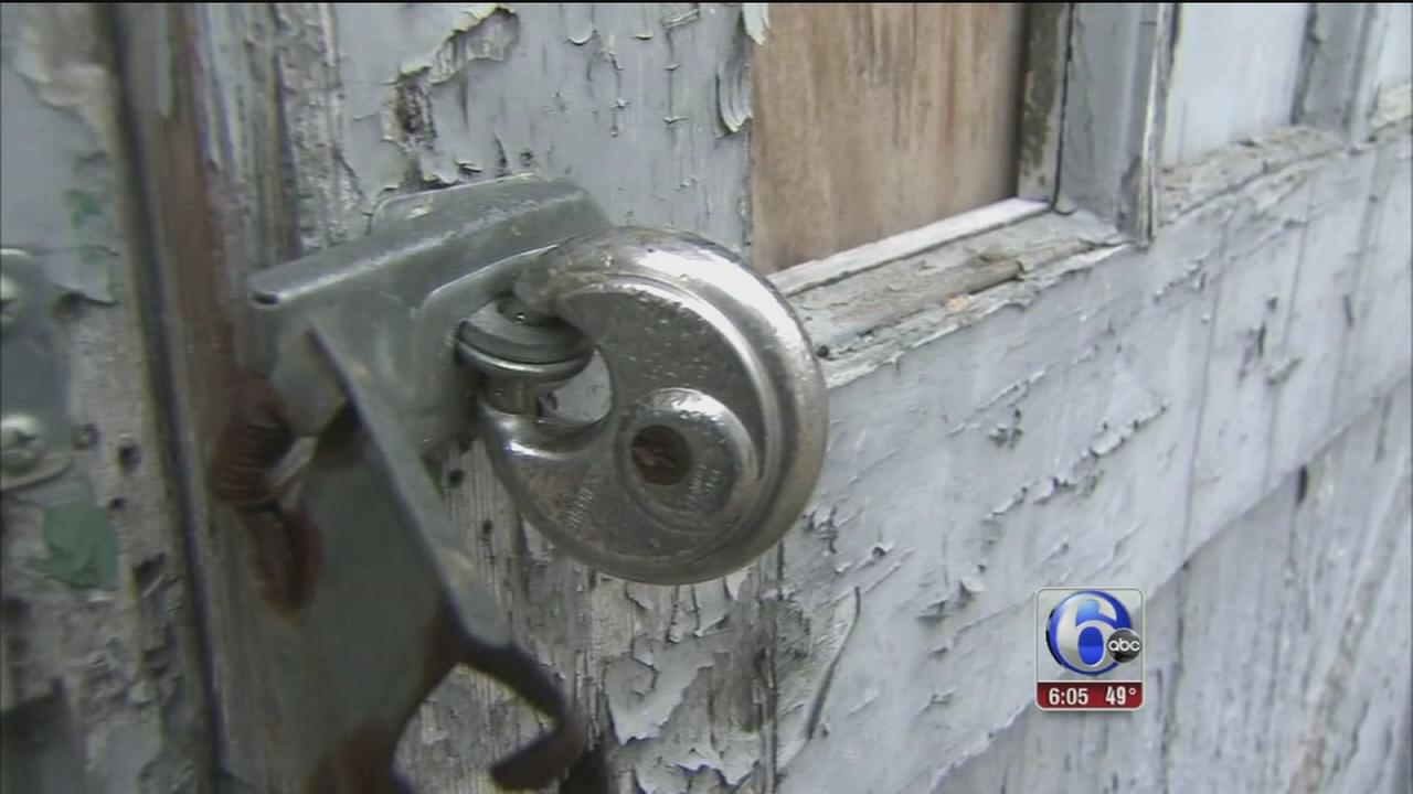 3 men attack couple as children sleep in SW Phila. home