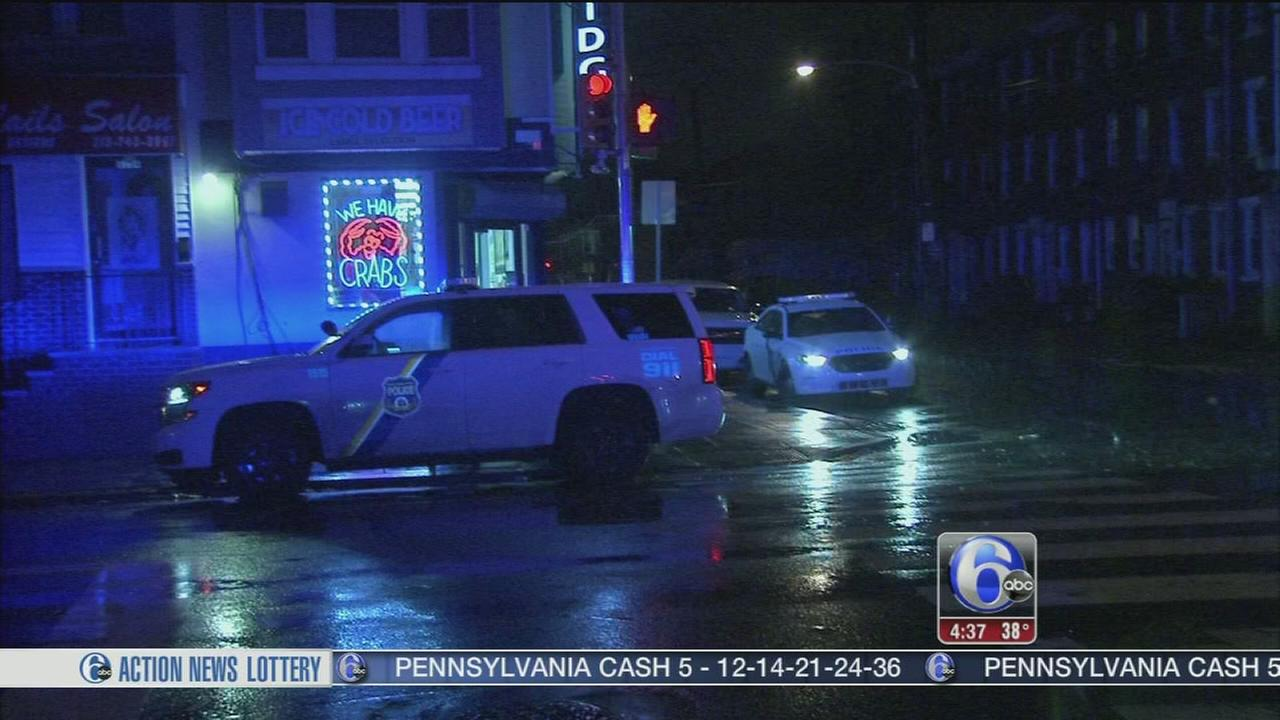 2 pedestrians struck by same car in Frankford