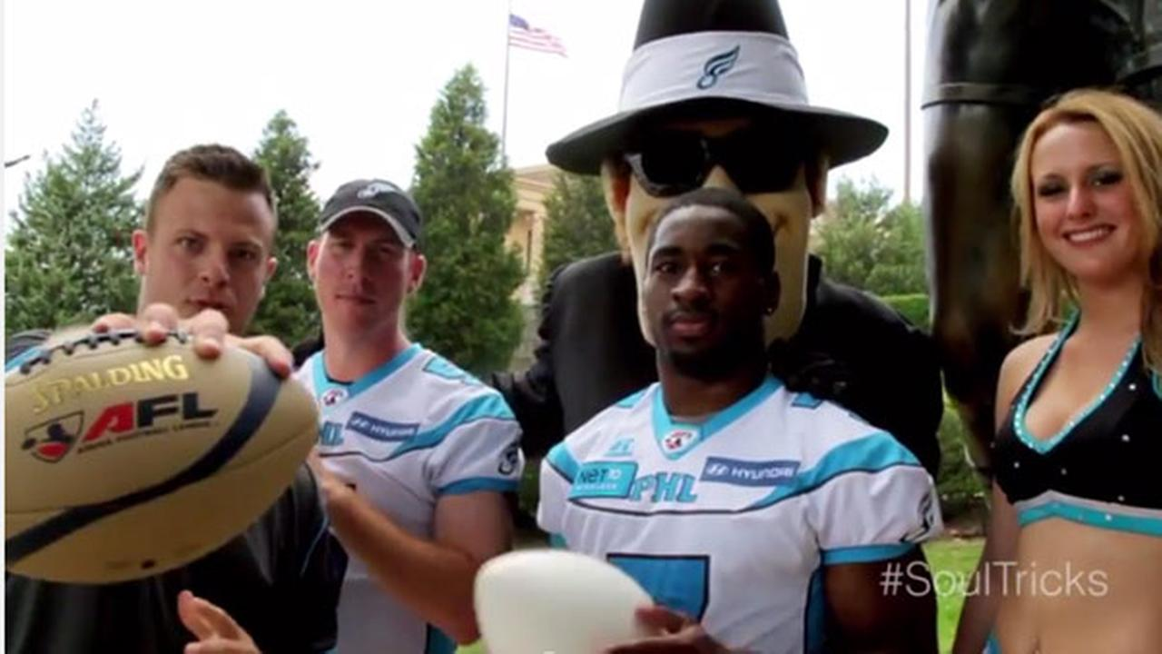 Soul QB throws trick shots around Philly
