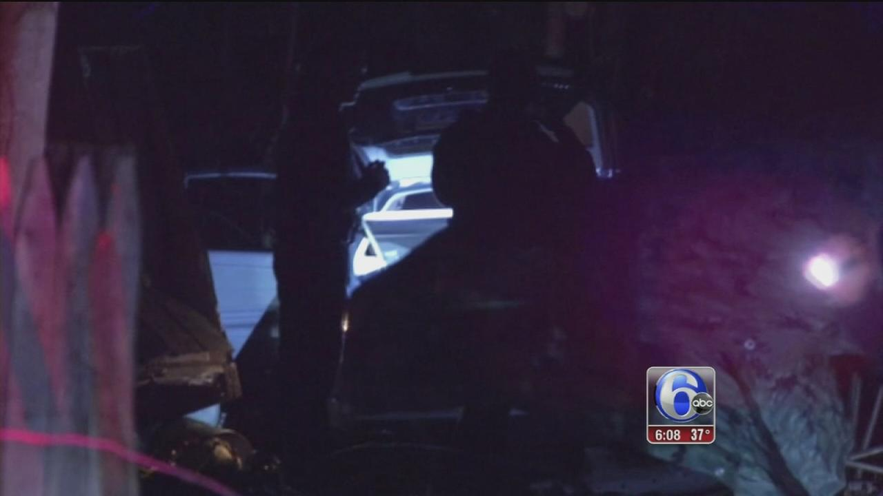 Driver crashes, flees police in Delco
