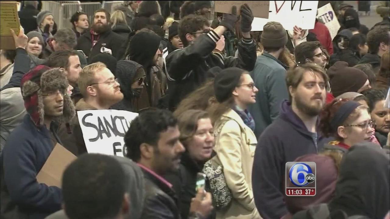 Thousands protest travel ban at PHL