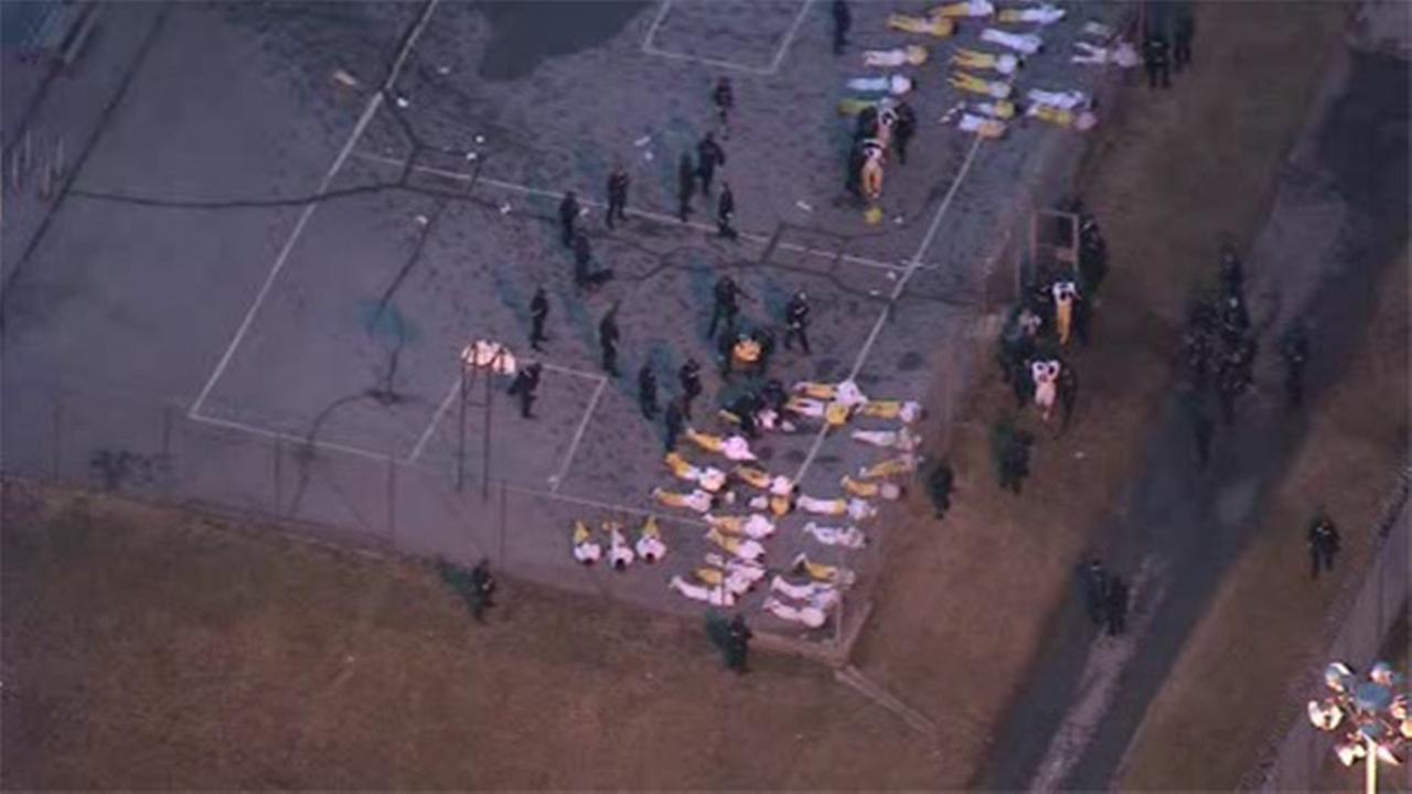 1 hostage dead, 2nd rescued following Delaware prison standoff