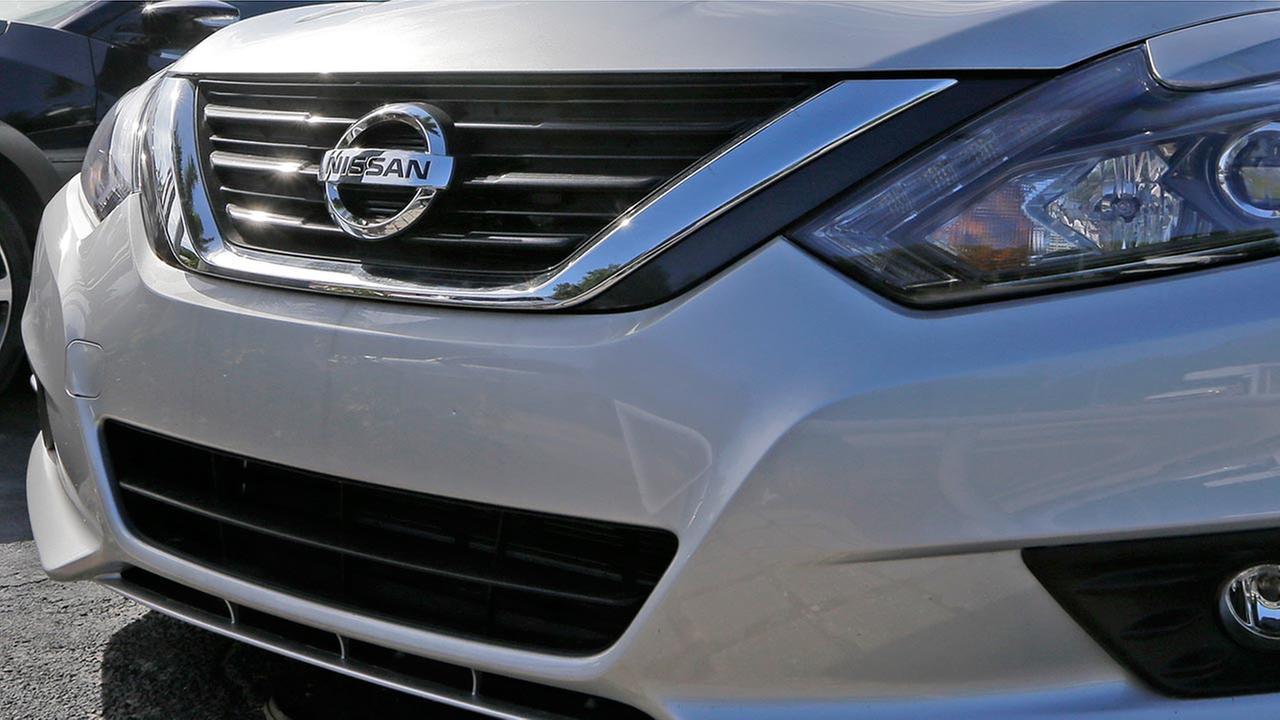 Nissan recalls Altima; door may open if window rolled down