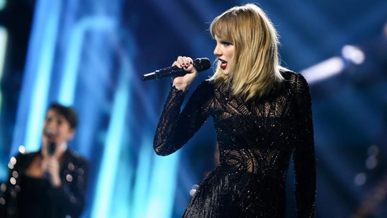 Taylor Swift performs at DIRECTV NOW Super Saturday Night Concert at Club Nomadic on Saturday, Feb. 4, 2017 in Houston, Texas.
