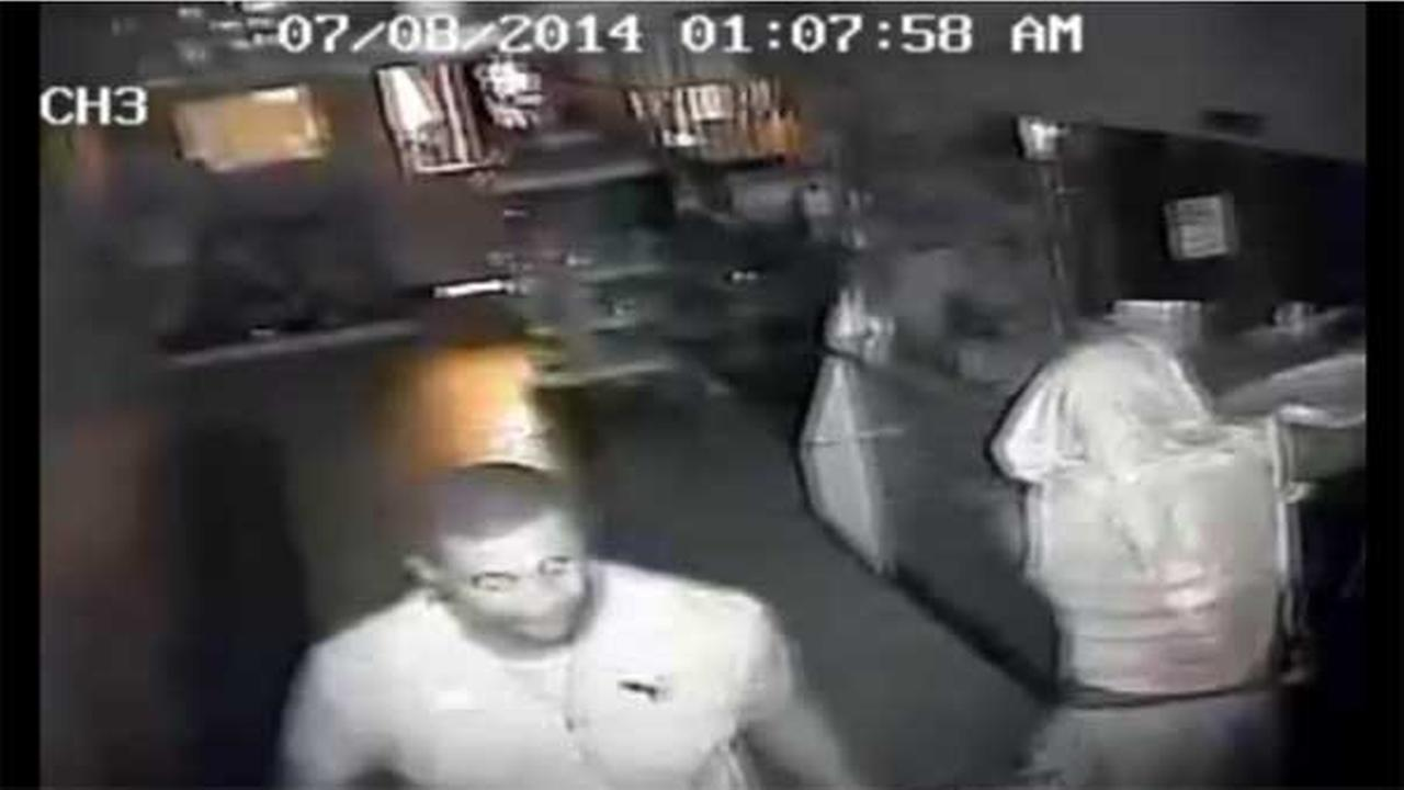 2 suspects sought for burglary in North Philadelphia