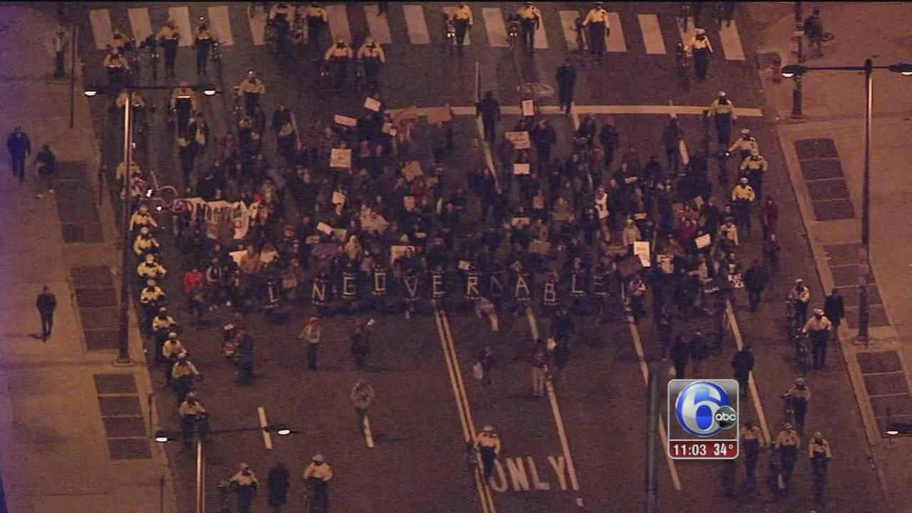 2 Philly police officers injured in anti-govt protests