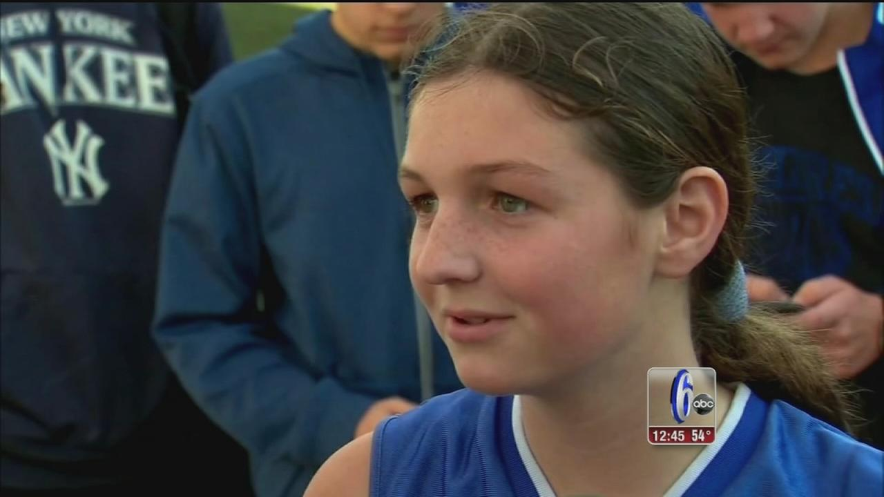 New Jersey girl plays first game on boys basketball team