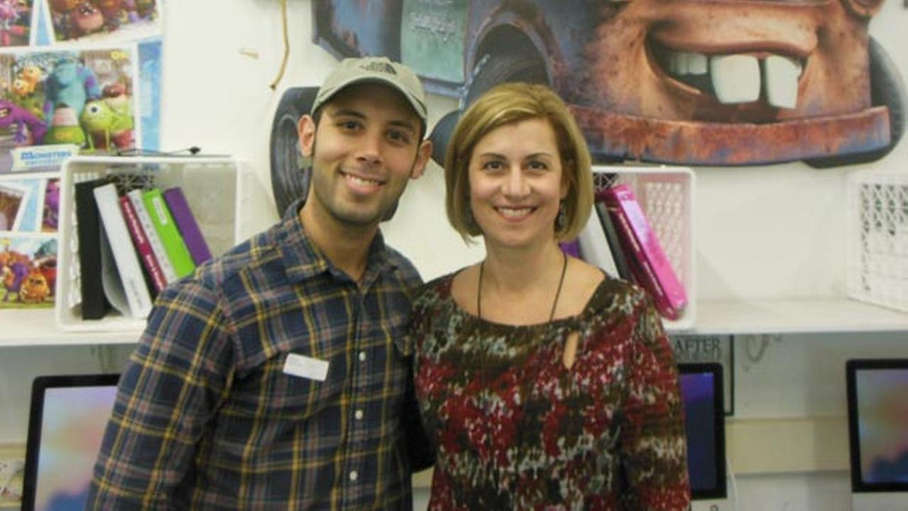 WTHS visual arts teacher Kirsten Smith welcomed Pixar animation artist and 2004 WTHS alum Lou Hamou-Lhadj to her animation classroom in December 2015.