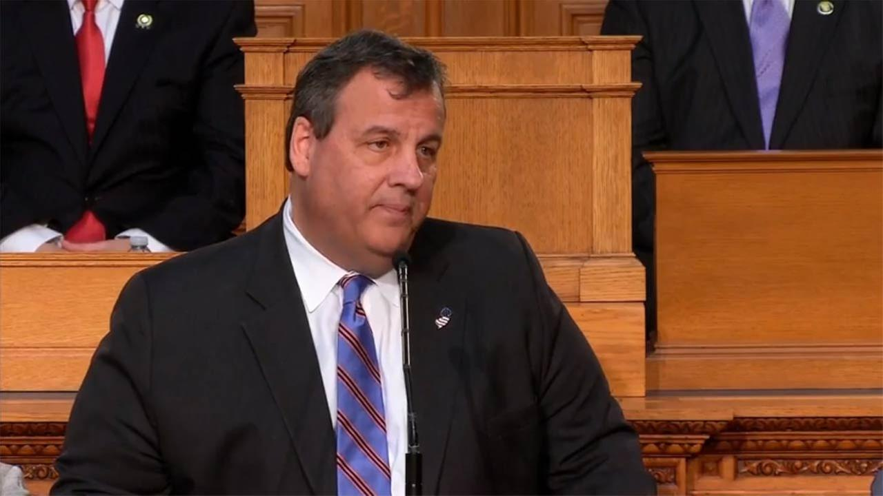 Gov. Chris Christie's job approval falls to historic low