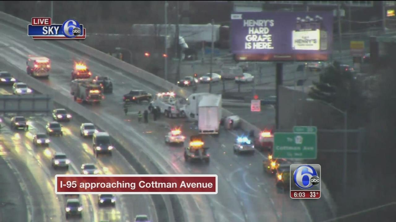 3-vehicle crash causes traffic delays on I-95 SB in Holmesburg
