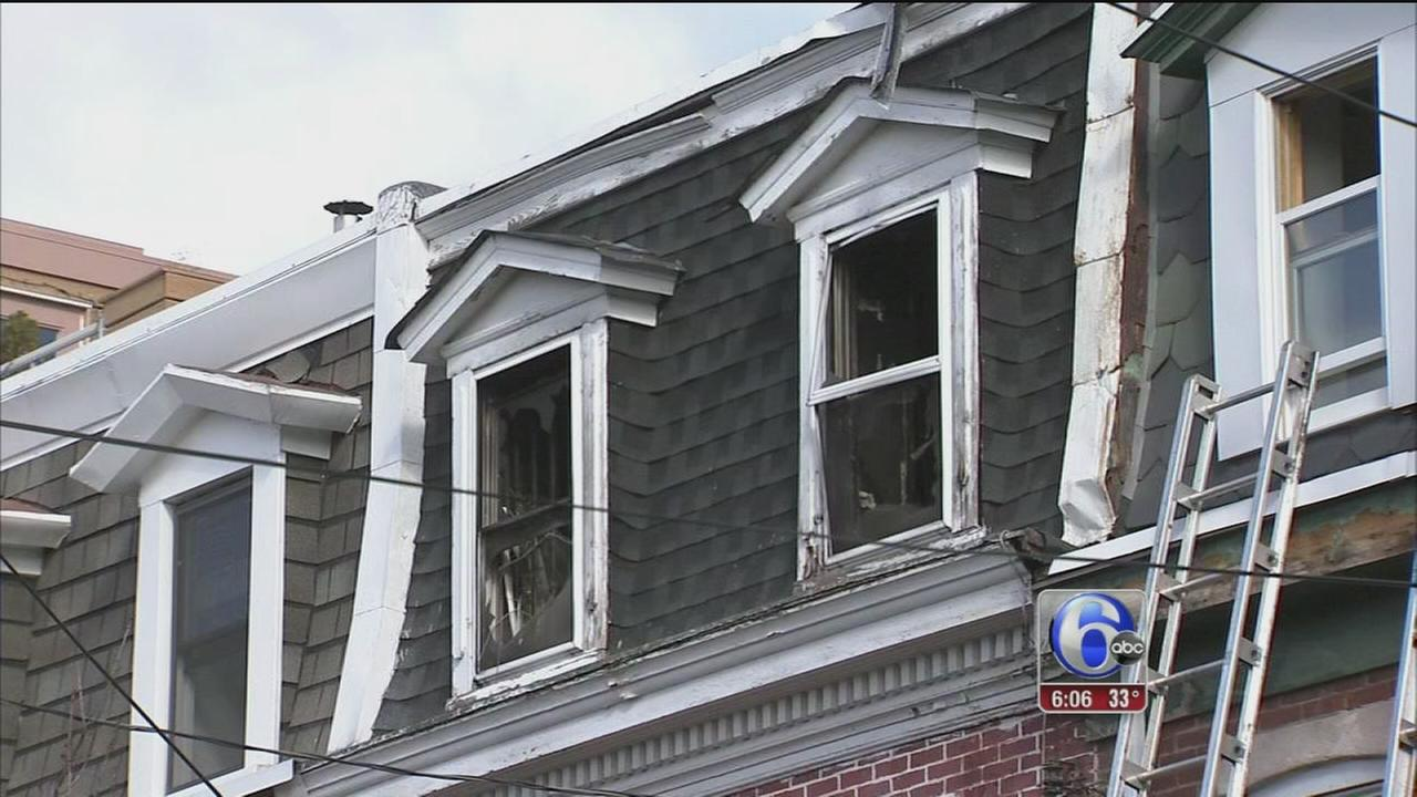 3 in critical condition after South Philadelphia fire