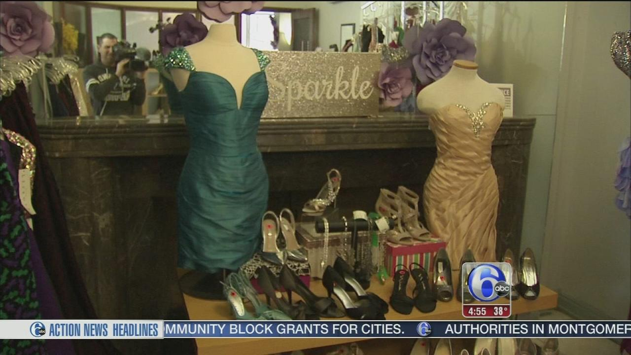 Buy discount prom dresses at Wardrobe Boutiques Prom-O-Rama