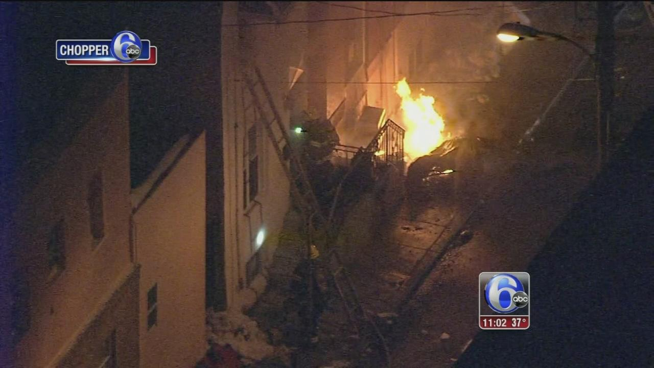 2 row homes damaged in South Philadelphia fire