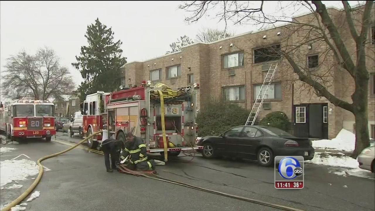 Crews battle apartment fire in NE Philadelphia