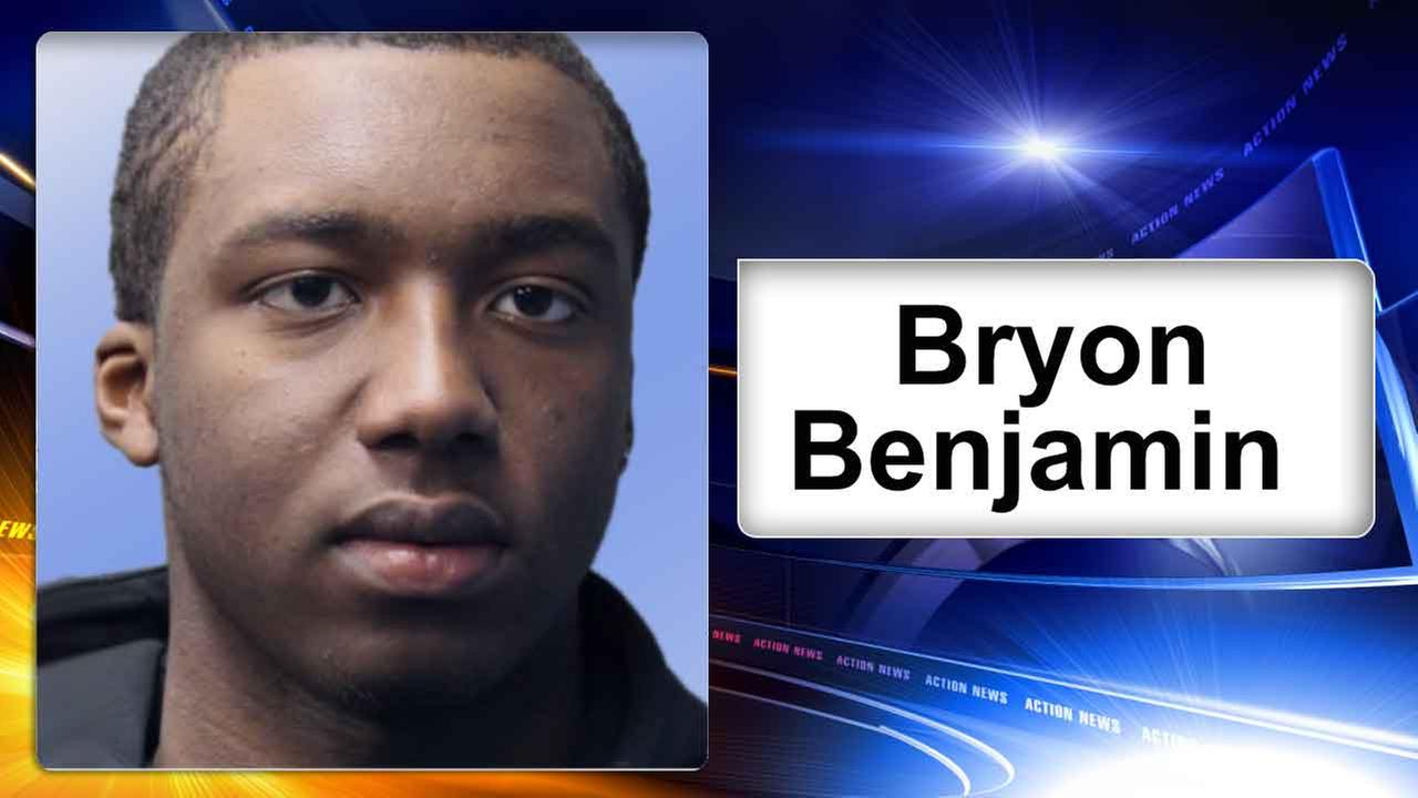 Police: Brooklyn man found with stolen credit cards, skimming device in Delaware