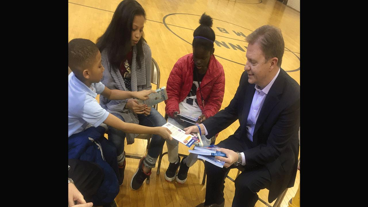 Students exchange books with 6 ABC President and General Manager Bernie Prazenica.6abc