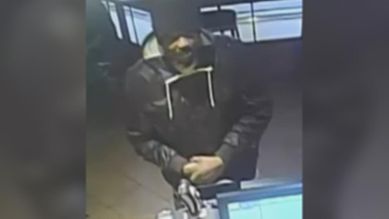 Gunman attempts to rob Center City Starbucks