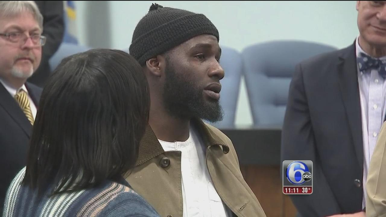 Good Samaritan caught on camera breaking up fight honored in AC