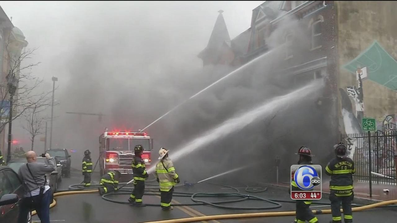Fire crews battle 2-alarm blaze in Downtown Wilmington